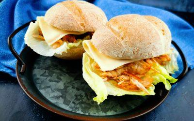 Pulled chicken szendvics, Pécsi Pékinas zsemlével